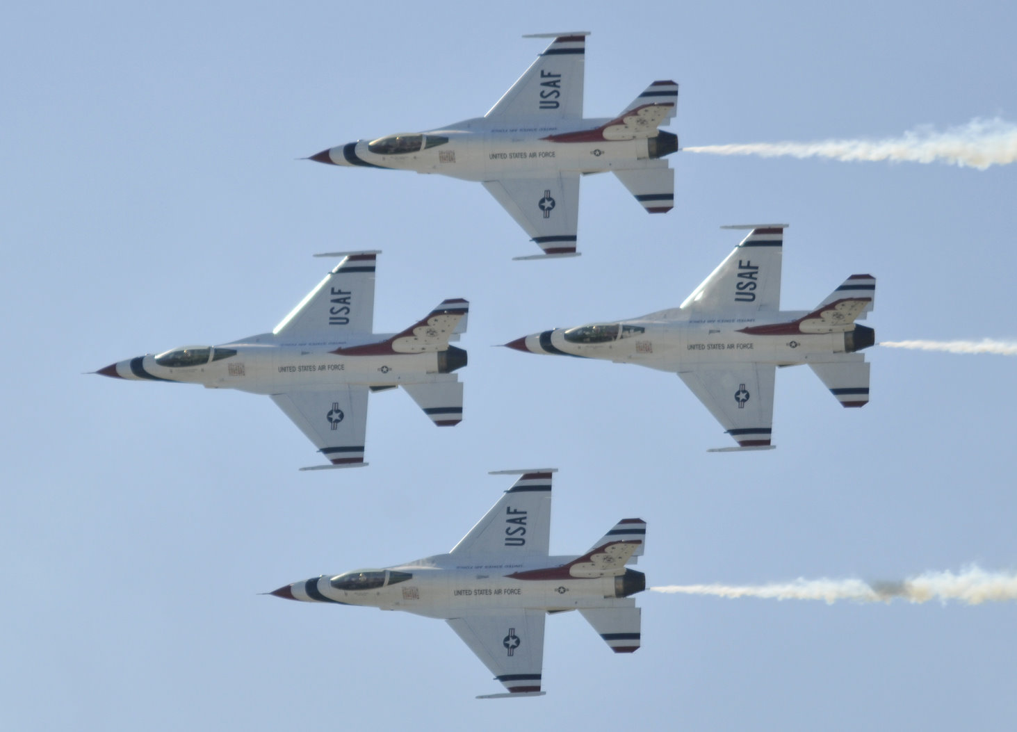 The U.S. Air Force air demonstration team, the Thunderbirds, perform precision aerial maneuvers Nov. 6, 2010, during AirFest 2010 at Lackland Air Force Base, Texas.  (U.S. Air Force photo/Jim Pritchett)
